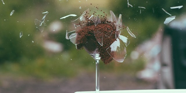 art-broken-explosion-glass